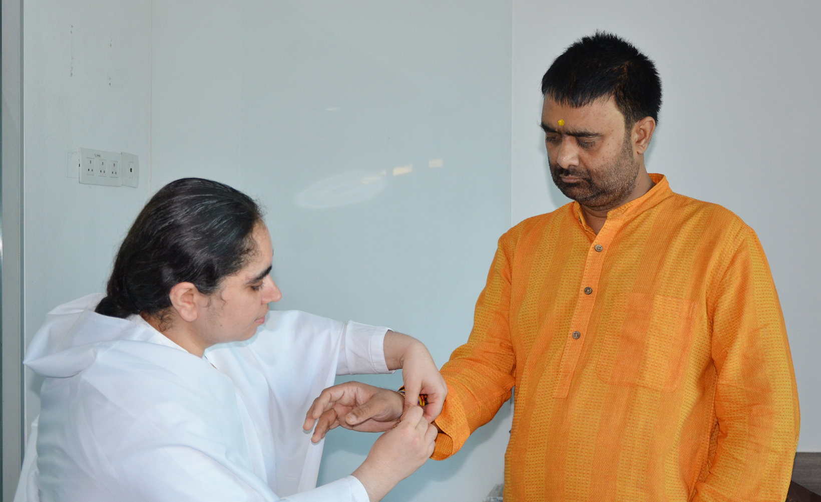 BK Aditi ties Rakhi to Deepak Churasiya - Senior Anchor News Nation Channel