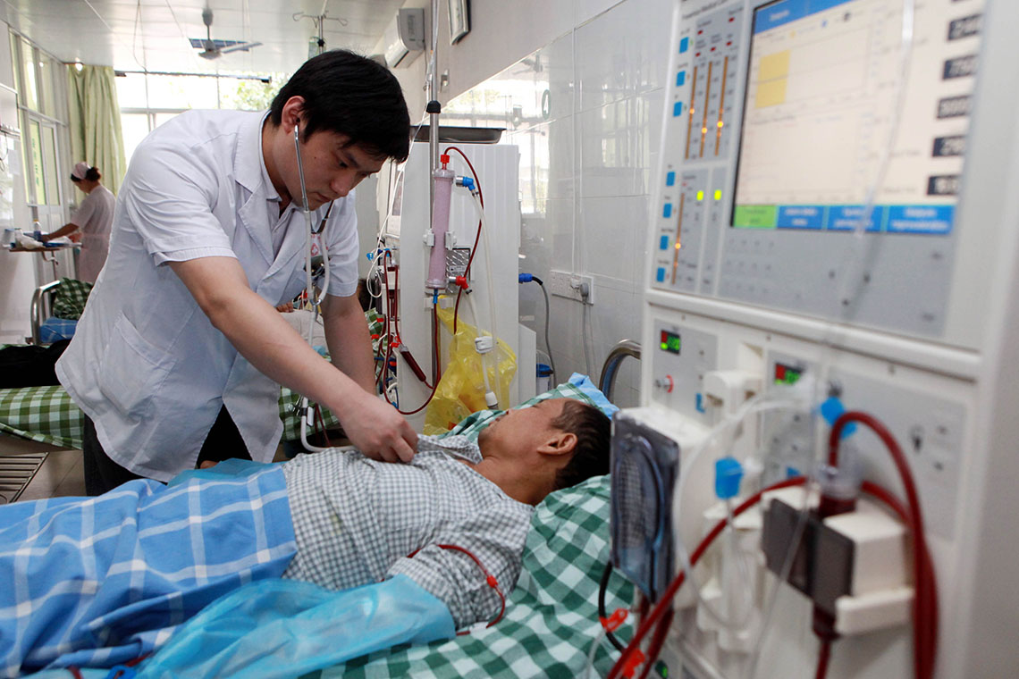 China has nearly 1 million medical, health institutions