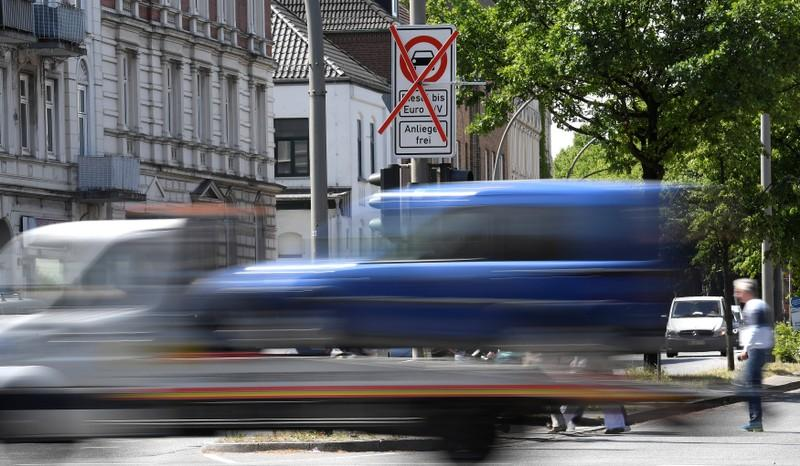 EU agrees to 30 percent CO2 emissions cut for trucks by 2030