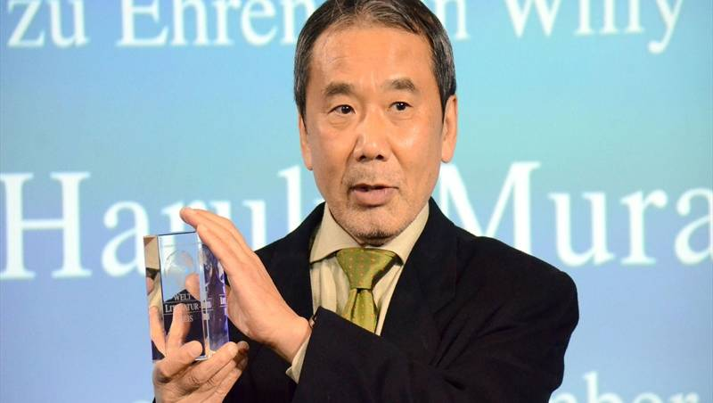 Japanese author Murakami goes with flow