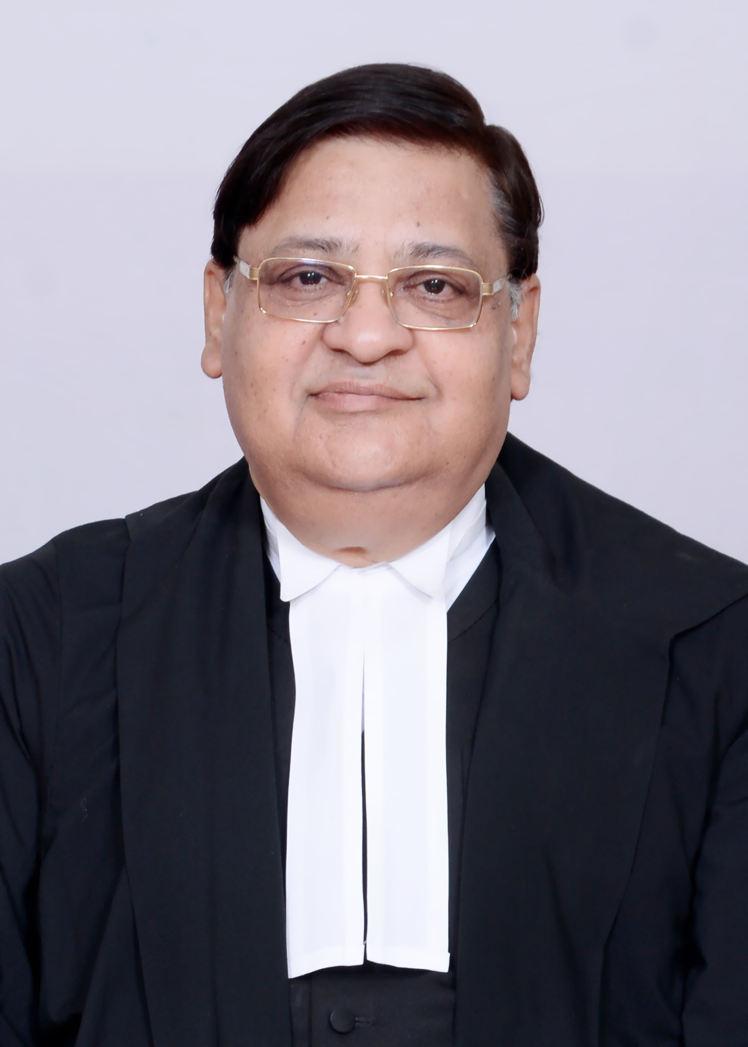 Shri Bharat Bhushan Vyas takes Oath of Office and Secrecy as Member, UPSC