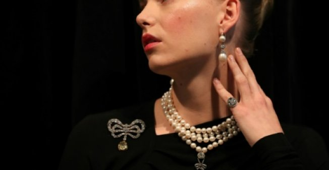 Marie Antoinette's jewels up for auction in Geneva