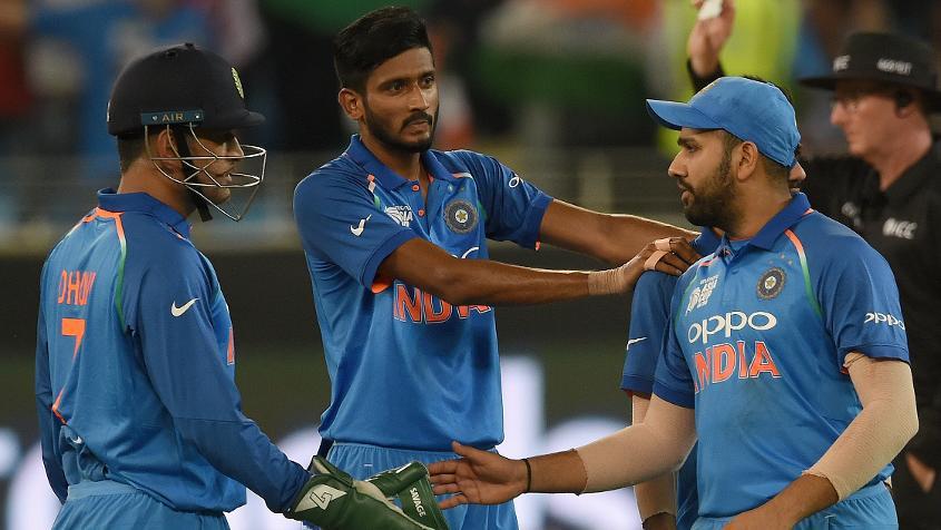 Zaheer Khan wants MS Dhoni to bat at No.4 in ODI's