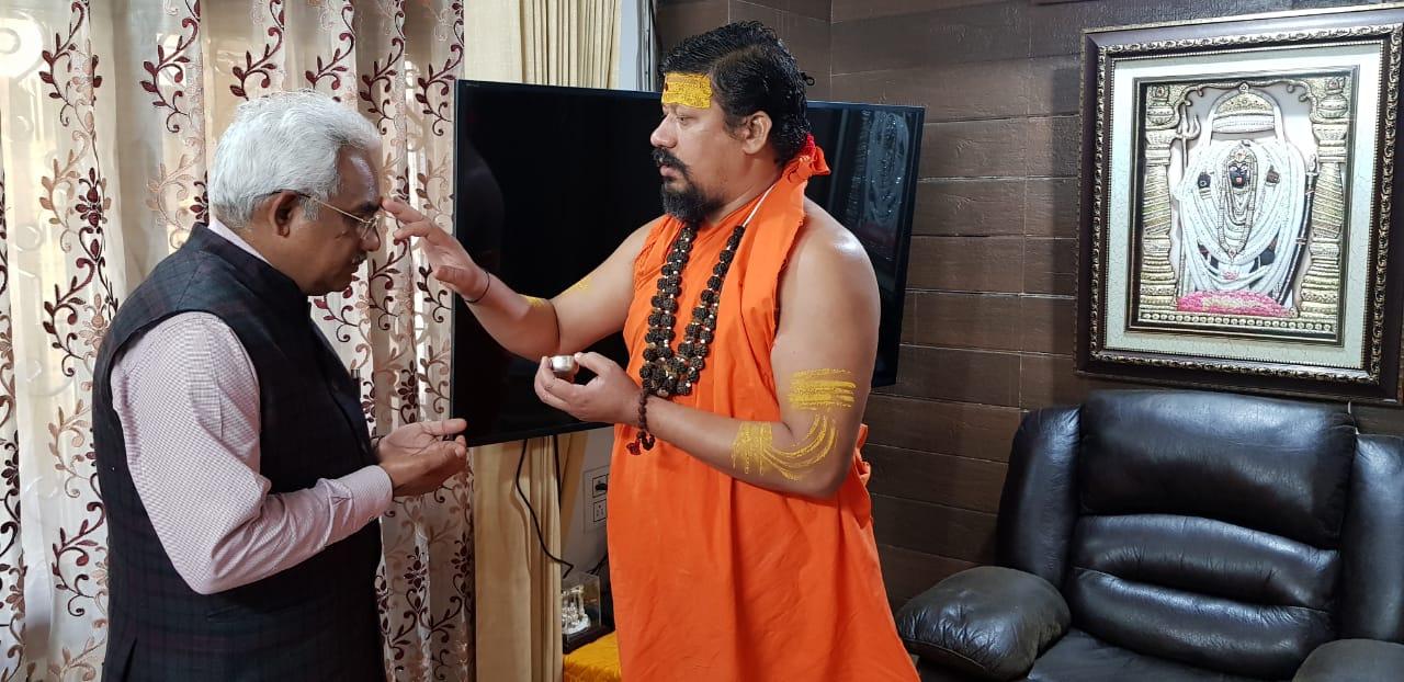 होली के पावन अवसर पर आज मंदिर में कैबिनेट मंत्री मदन कौशिक जी पूज्य गुरु जी के साथ