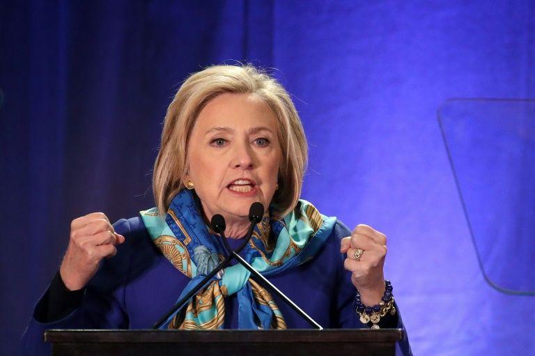Clinton warns Australia on Chinese 'influence peddling'
