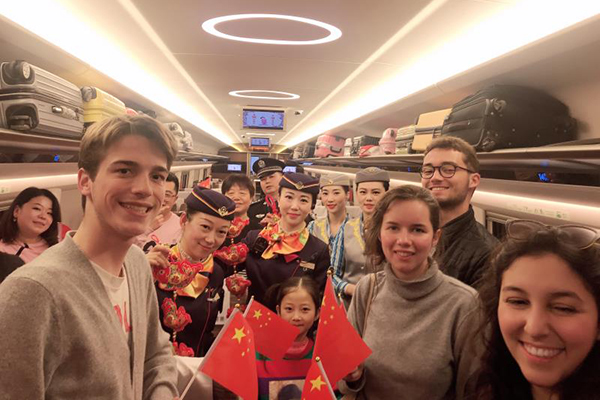 Guangzhou-Shenzhen-HK express rail proves popular with Spring Festival travelers