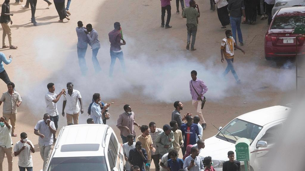 Sudan protest hub: Fruit seller dies from tear gas inhalation