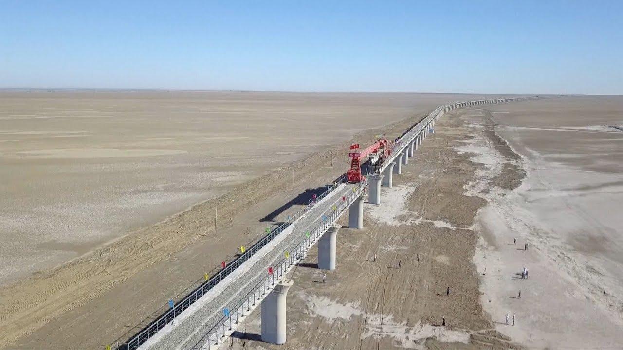 Sections of Xinjiang's longest railway bridge joined