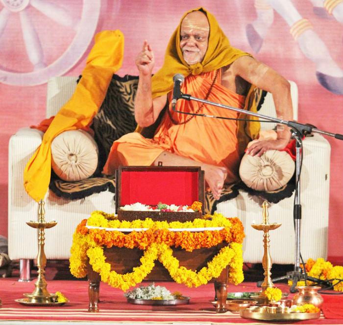 Special program with Jagadguru Shankarachrya Govardhan Math Puri Peethadeshwar Swami Nishchalanand Saraswati Ji Maharaj-Part 2